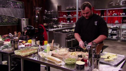 Stomp the Grapes | Cutthroat Kitchen (S7) | Food Network Asia