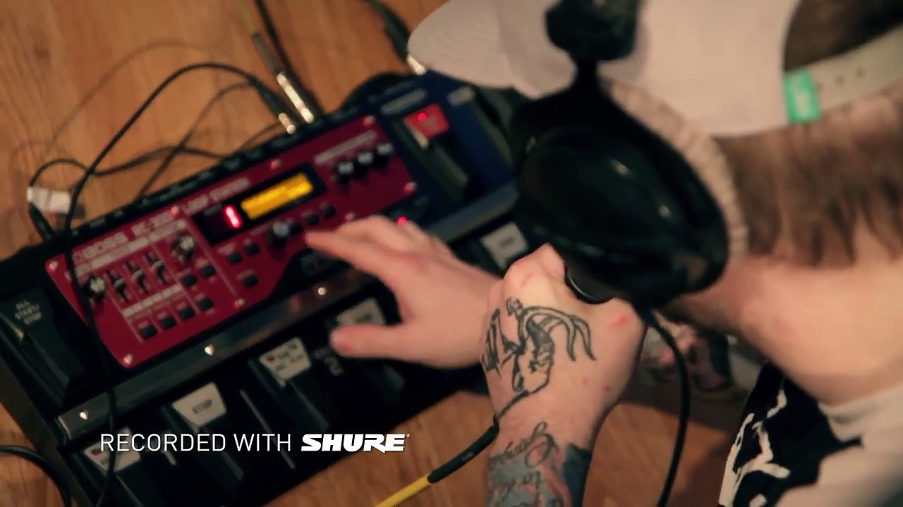 "Mac Lethal ""War Drum"" At: Guitar Center"