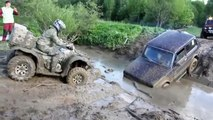 ATV trying to help Lada Niva OFF Road 4x4 Extreme Mudding