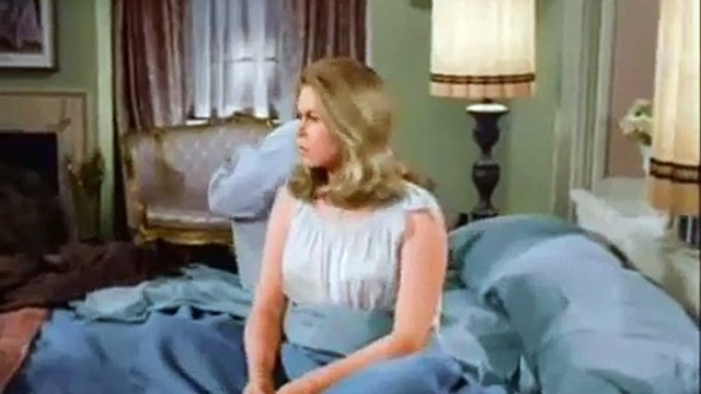 Sam and Darrin arn't talking - Bewitched