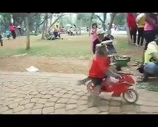 Torturing Monkeys to make money in Indonesia 1