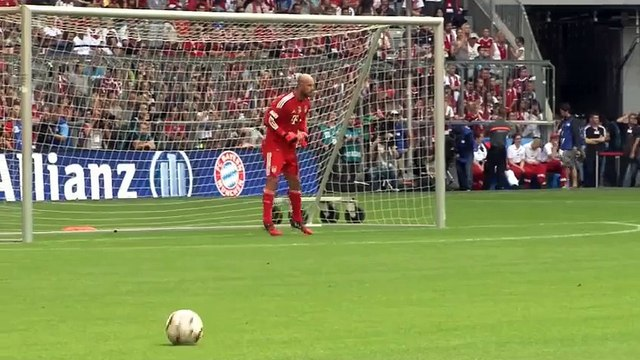Pepe Reina quits Bayern and joins Napoli