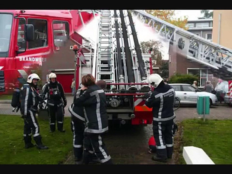 Brand in school opschaling zeer groot Wormerveer.