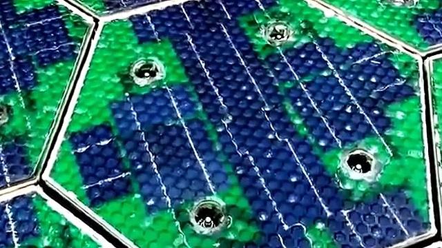 Scott Brusaw´s New photovoltaic technology- Solar roadways amazing new technology