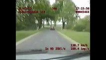 Pościg Polskiej Policji Manewr policji rodem z USA Radiowóz staranował ścigane auto