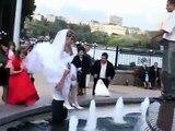 Mariage qui tombe à l'eau, dans une Fontaine Russe