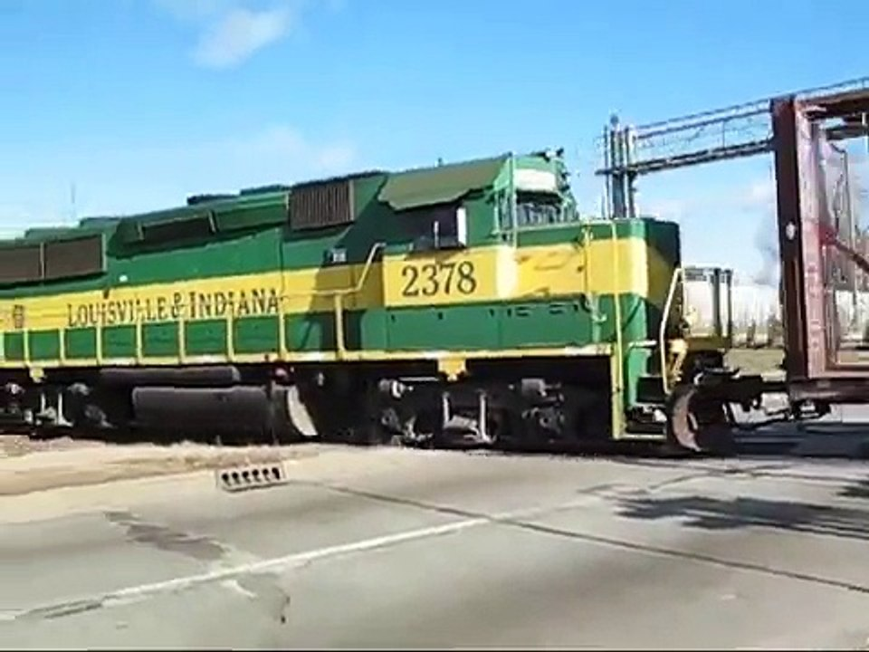 Railroad Crossing: East Raymond Street, Indianapolis, IN  Louisville &  Indiana Railroad