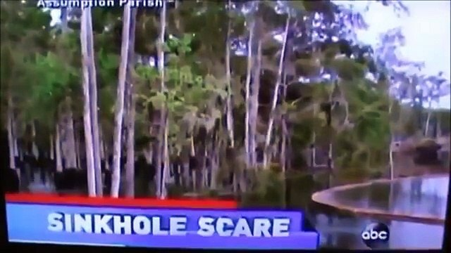 08.22.13: Bayou Corne Sinkhole Swallows Stand of Trees 40 ft high.LIVE FOOTAGE, SPECULATIONS & FACTS