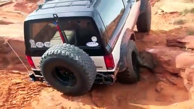 Jeep Wrangler vs Ford Bronco vs Toyota Tacoma OFF ROADING!