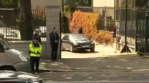 Obamas car gets stuck on ramp in Dublin