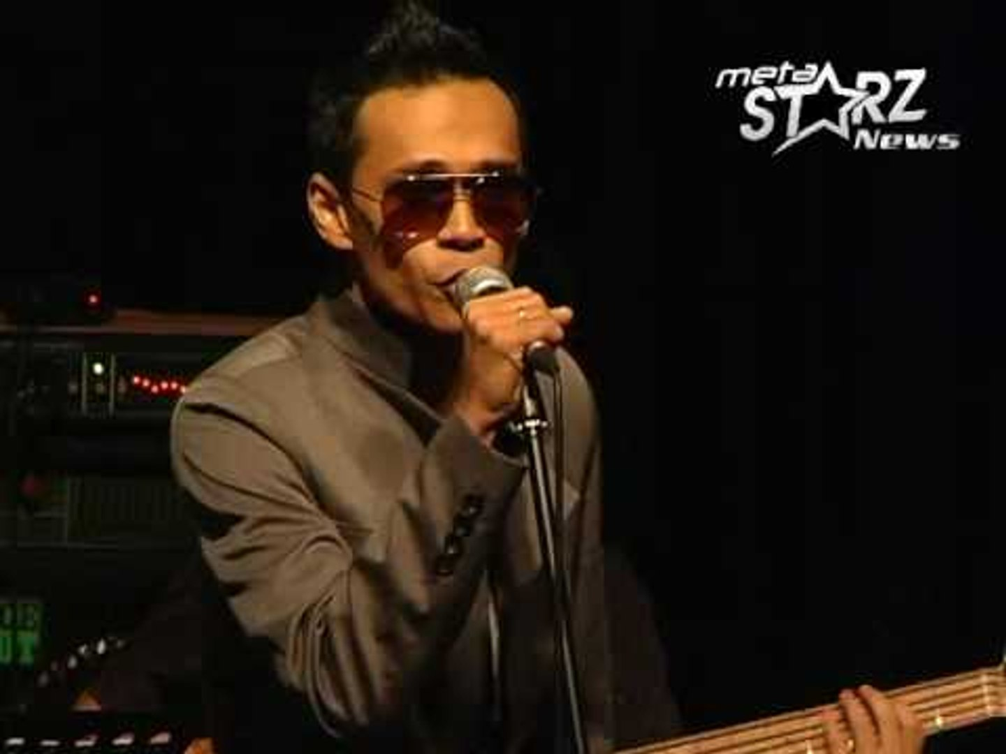 Lah Ahmad - We are in love [LIVE @ No Black Tie]