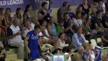 Volley : invité surprise sur la photo officielle