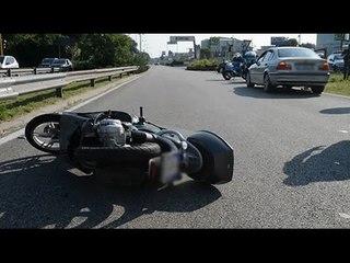 Svolta vietata, schianto sulla SS16 a Rimini. Grave ragazza in scooter