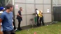 Des jeunes forcent les portes d'un festival - Wireless Festival - londres