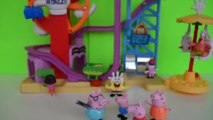 Pig George da Familia Peppa Pig no Parque de Diversões Completo em Portugues Disney Tototo