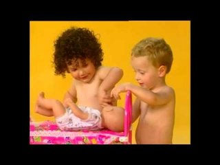 E.Q. Baby - לשחק עם בובות - Playing with dolls