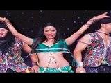 Malaika Arora Khan's UGLY Wardrobe Malfunction ON STAGE
