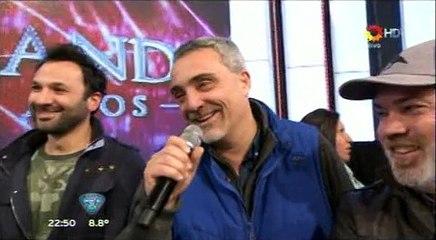 El Tirri agradece a Revista Pronto, que le hizo el aguante en el piso de Showmatch