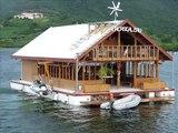 Association: décourverte d'une maison flottante écologique et autonome