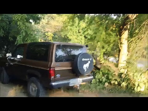 MY 1986 ford bronco 2 4×4 2.9. V6 start up and little drive