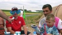 Tour de France : de la caravane à la course, ambiance au secteur pavé d'Artres