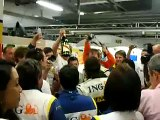 Fernando Alonso shares his victory with his teammates for 2008 F1 Japan GP in Renault Paddock