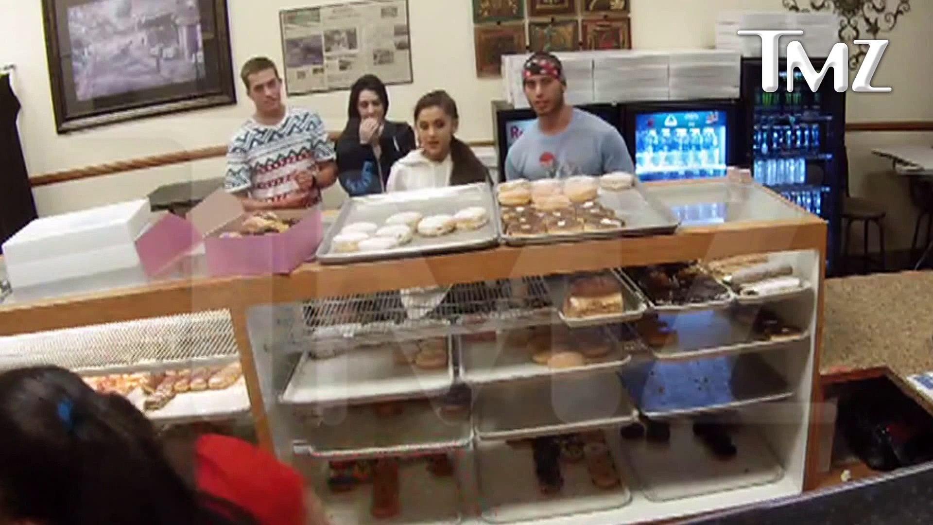 Ariana Grande Tongues New Boyfriend & Donuts!!