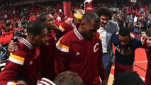 LeBron James agrees to sign with the Cavaliers