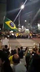 Manifestante se reúnem mais uma vez em protesto contra Dilma, em Fortaleza