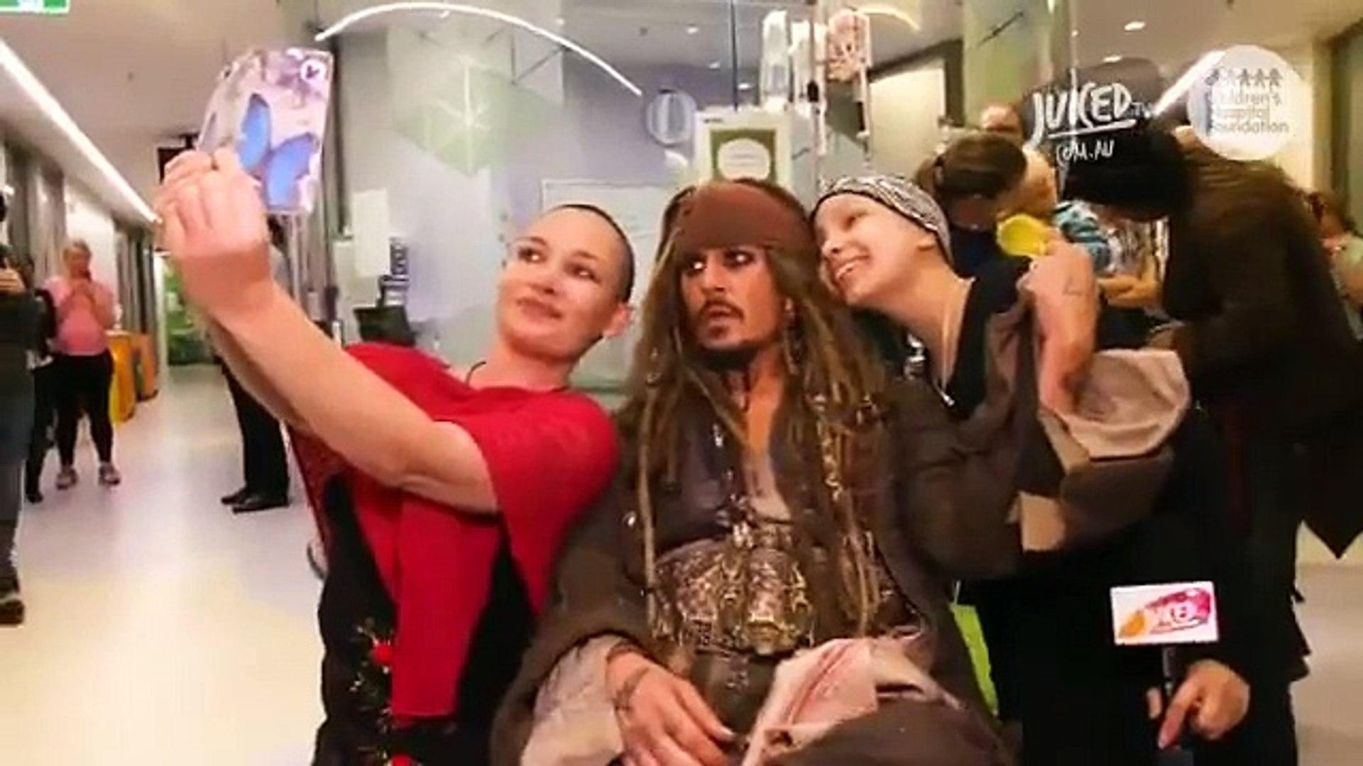 Le vrai Jack Sparrow rend visite à des enfants malades en Australie !