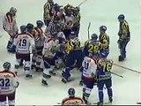Slovan vs Presov hokejvova bitka.