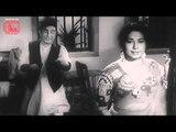 Apne Huye Paraye | Drama Scene | Makhan Flirts with A Lady |  Manoj Kumar - Mala Sinha