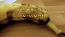 Sa banane a commencé à bouger ! Ce qui se passe après va vous horrifier !
