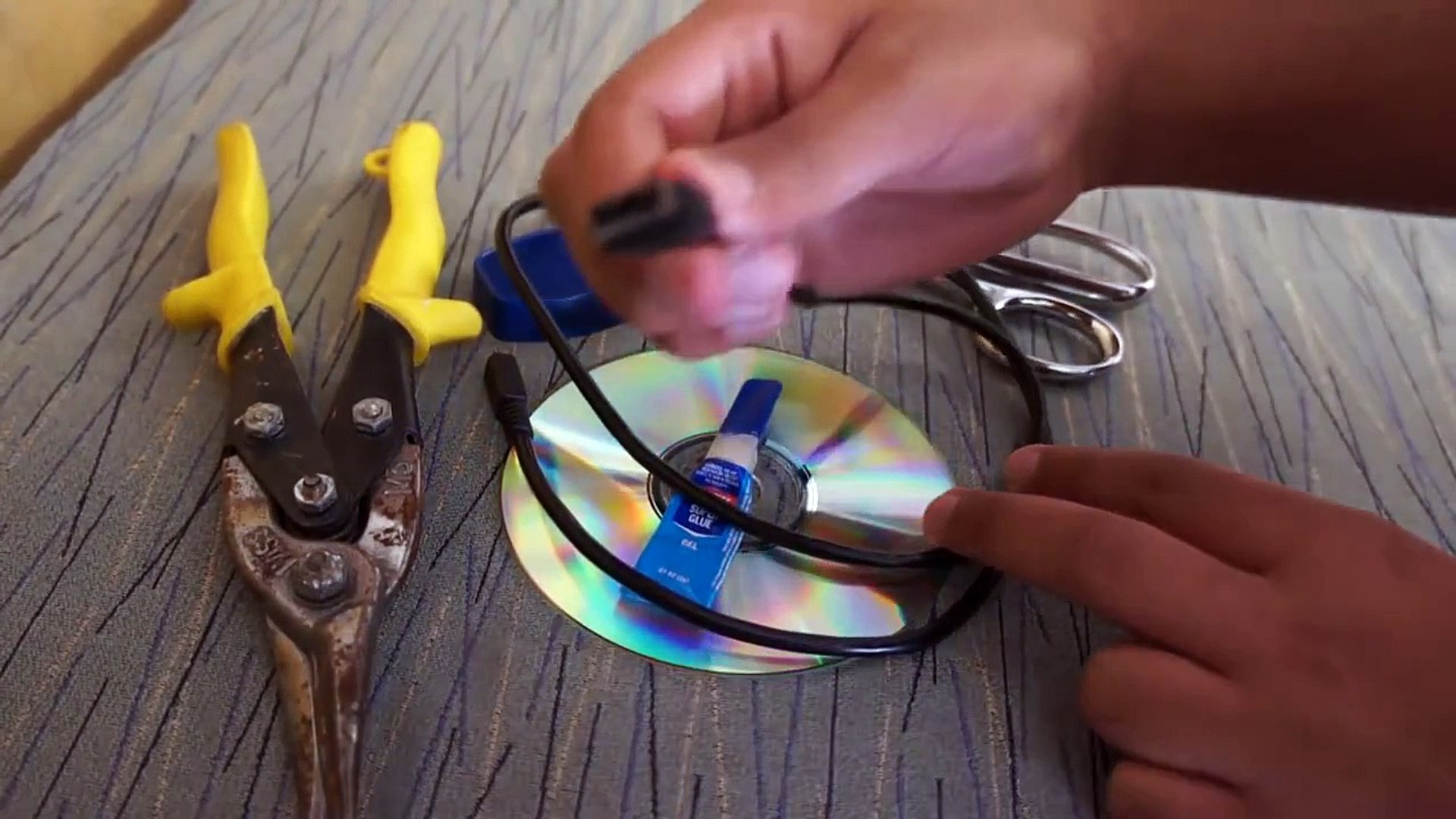 How To Make A Homemade Fan Without Any Batteries!