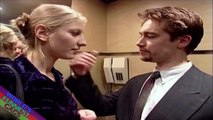 Elevator Prank : Couple Kissing in the Elevator