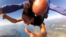 Saut en parachute (50s de chute libre au ralenti et en musique !!!!!!)