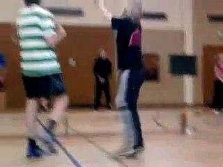 Lustige Szenen vom Volleyballtraining