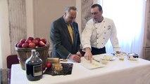 Chairman Schumer Makes Apple Pie