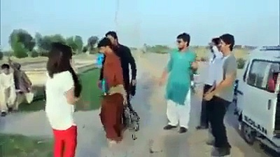 Funny boy dancing, urdu funny videos, punjabi totay, pakistani funny videos, home girls dance, local