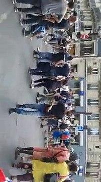 manif de conspi à Paris le 14 juillet