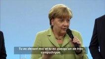 Angela Merkel fait pleurer une jeune immigrée et tente de la consoler