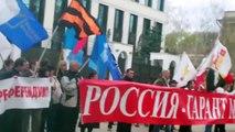 Curaj.Tv -Domnica Cemortan flutură steagul României la Ambasada Rusiei