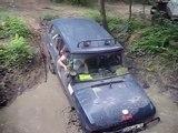 4x4 Range Rover - Didier passe le bourbier! - servaville4x4 à forest hill - 30 et 31 mai 2009