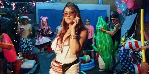 Mia Koo - Pool Party