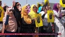 رصد| سلسلة بشرية لرافضى الانقلاب من طلاب جامعة مصر للعلوم والتكنولوجيا بأكتوبر