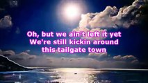 Granger Smith - TAILGATE TOWN (Lyrics)
