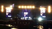 Le docteur de Dave Grohl monte sur scène avec les Foo Fighters et chante Seven Nation Army des White Stripes