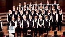 El coro que dejó helado al público  El Coro de Lost - Mad World