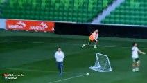 Cristiano Ronaldo se enfada por un gol anulado... y no acaba el partidillo en Melbourne