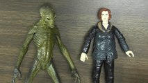 CGR Undertow - THE X-FILES: FIGHT THE FUTURE ACTION FIGURES SCULLY AND EBE
